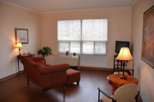 Spacious 1bdrm Livingroom Space